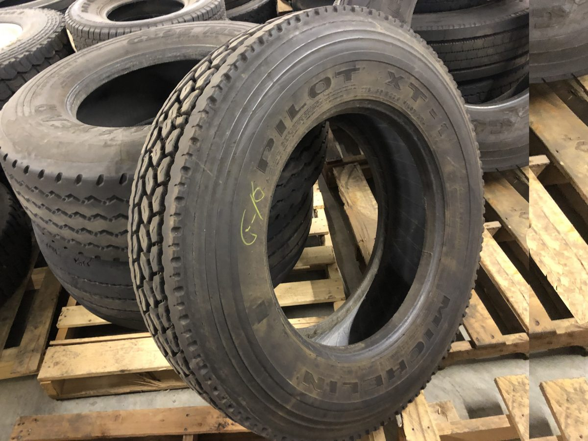 used-michelin-pilot-xt-275/80r22.5